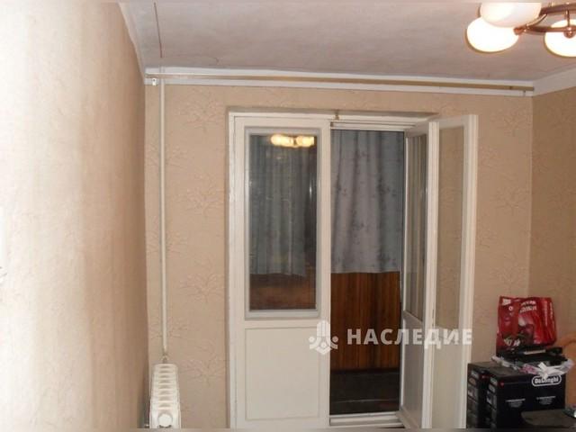 3-комнатную квартиру, 4/17-монолитного дома, 1982гп, 70/44/10 квм, комнаты раздельные, все удобства, тэц